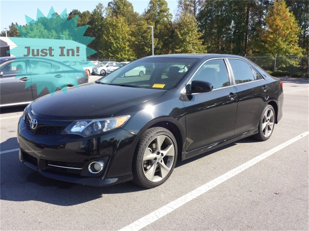 pre owned 2014 toyota camry se 4d sedan in columbia 8577a dick dyer toyota. Black Bedroom Furniture Sets. Home Design Ideas